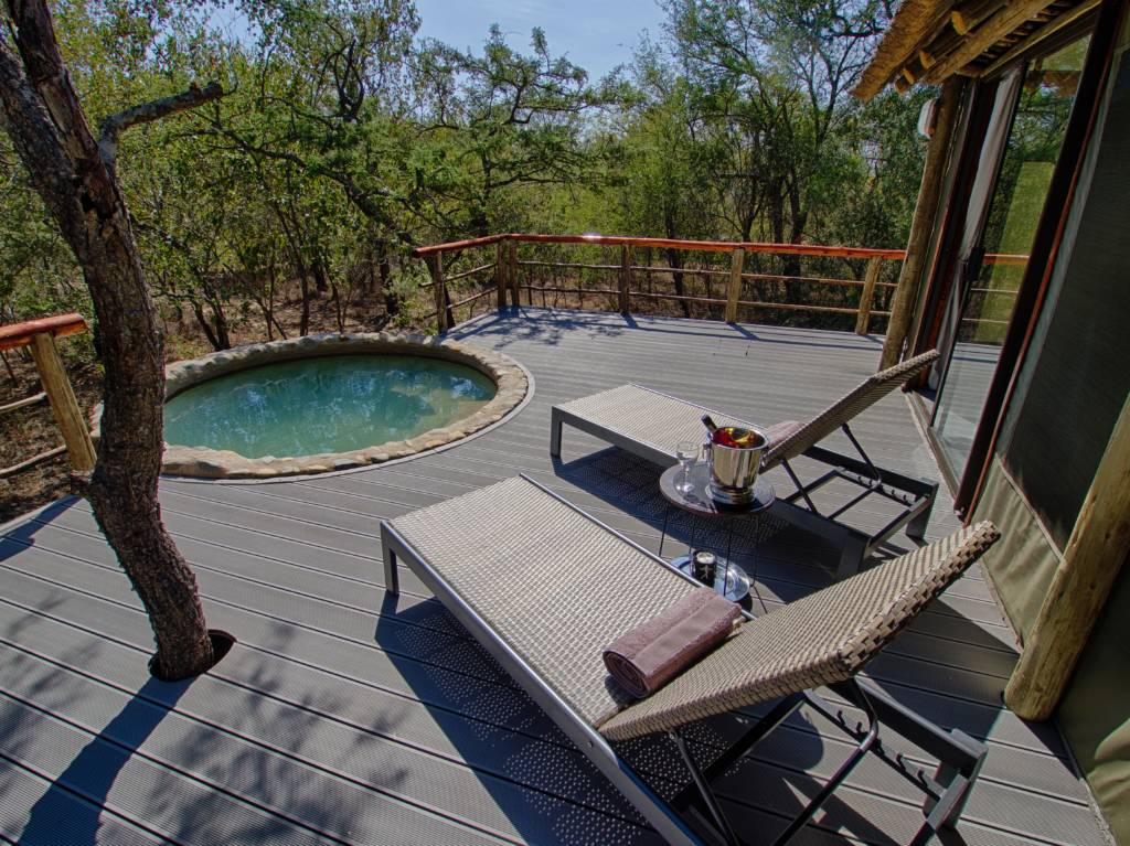 Katekani Tented Lodge Deck and Splash Pool